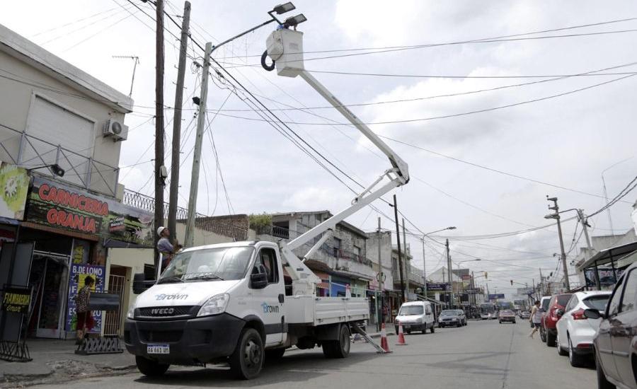 """El Municipio instala luces """"led"""" en una importante zona de San José"""