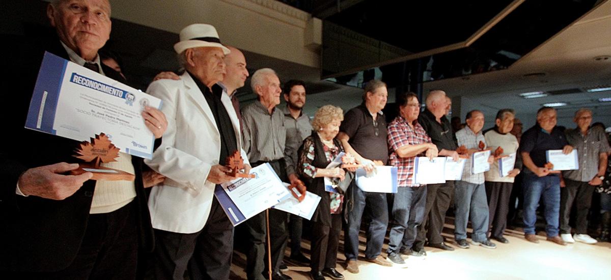 El municipio de Alte. Brown distinguió a vecinos por su trayectoria en instituciones