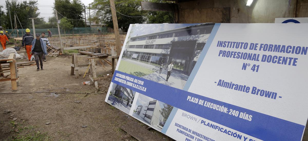 """Cascallares: """"Con el nuevo edificio que construimos, el Instituto 41 podrá funcionar en tres turnos"""""""