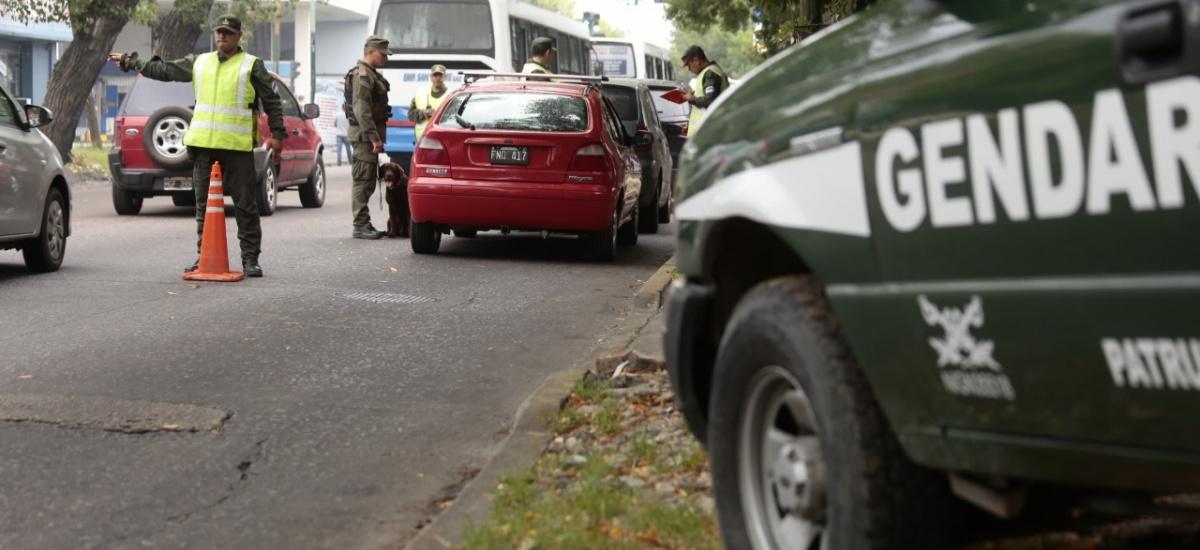 Gendarmería patrulla los barrios y localidades de Alte. Brown