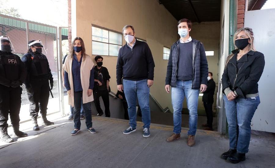 Frederic y Cascallares supervisaron despliegue policial en estaciones de trenes por covid-19